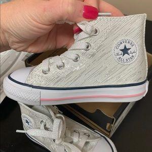 Converse girls 6K shoes